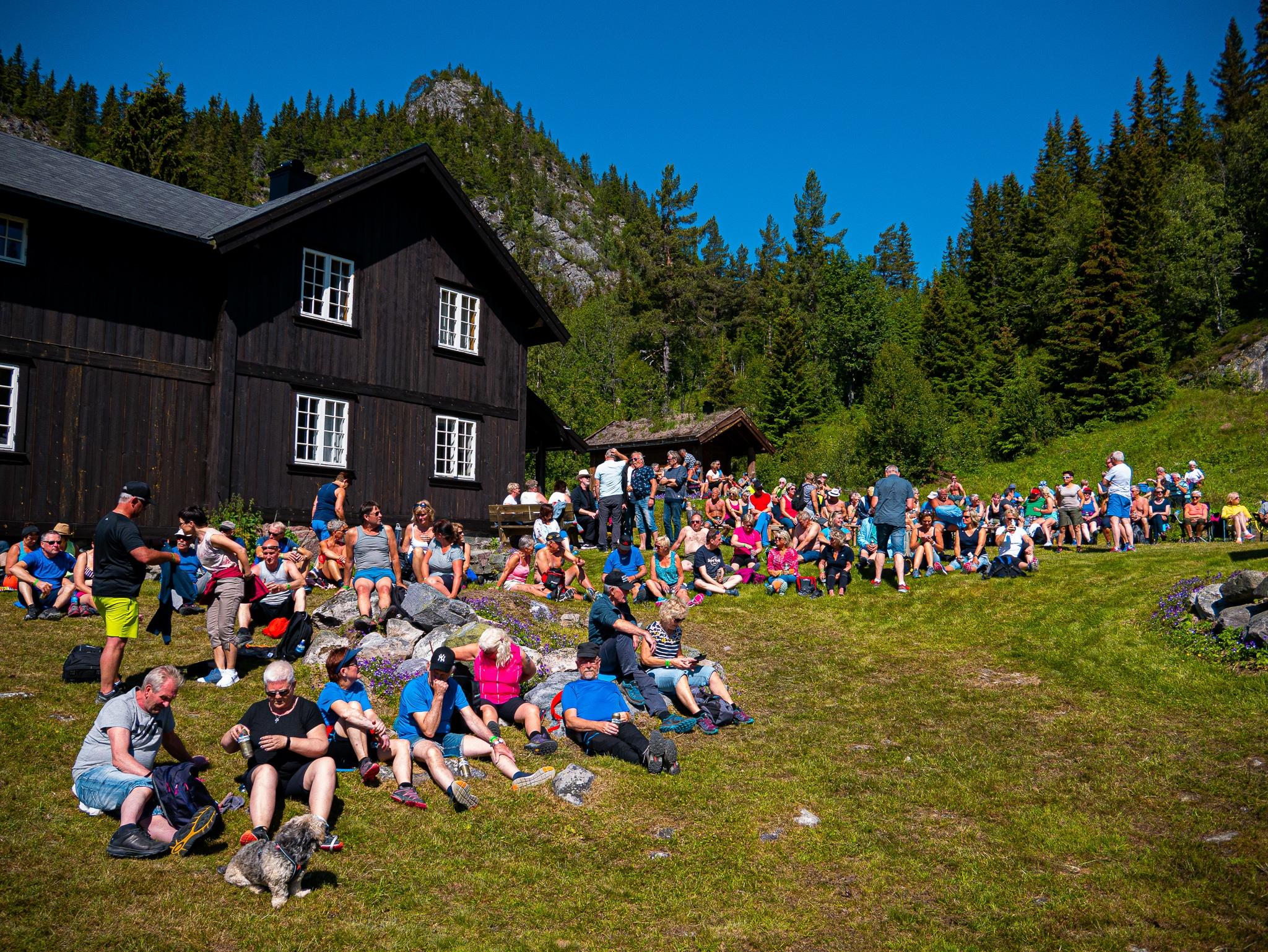 Bli med på fjelltur og konsert